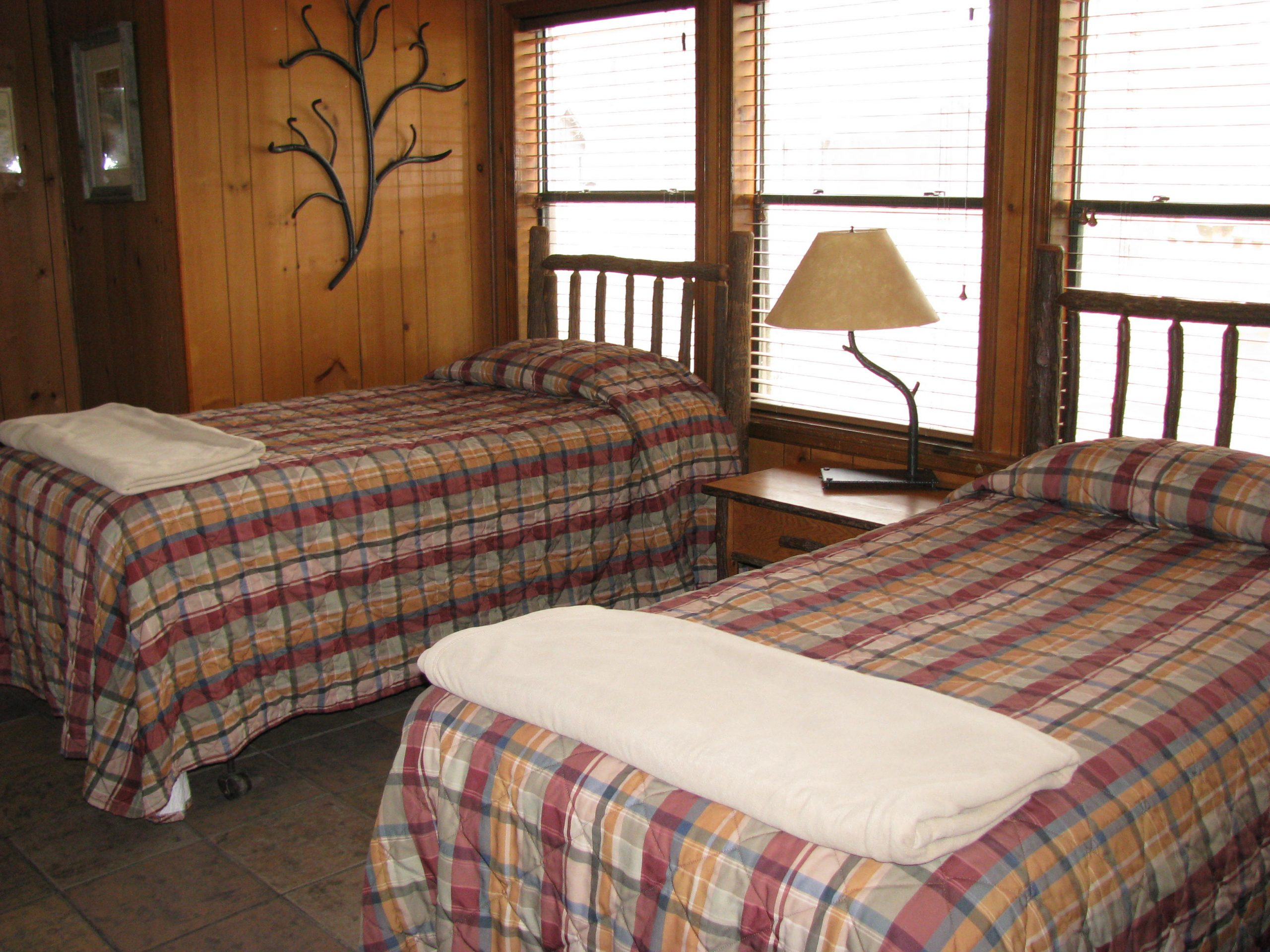 cabin-pictures-050-jpg